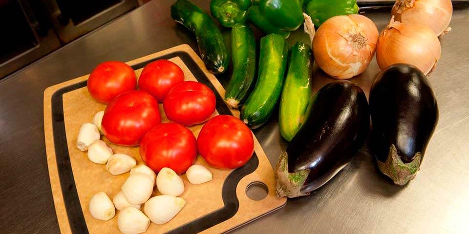 Vegan Eats in Duluth, Minnesota - Duluth Grill