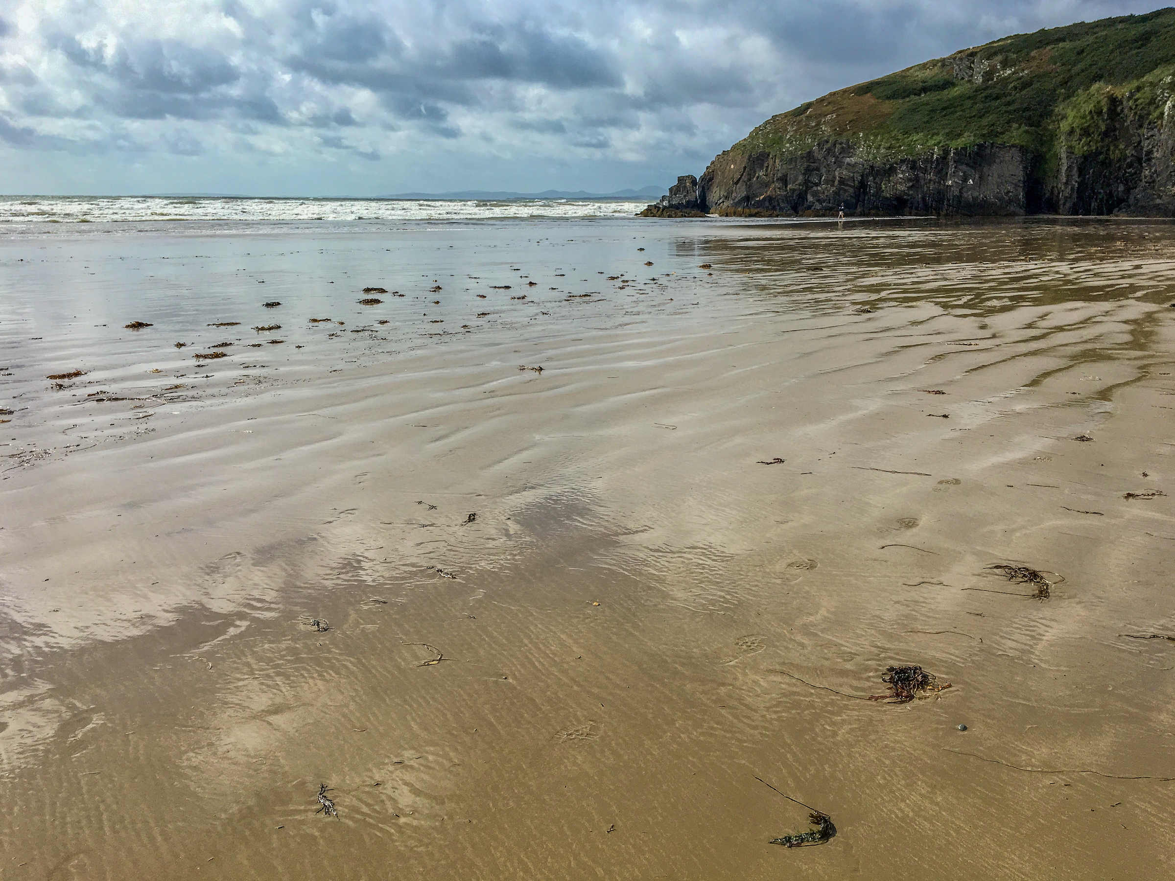Black Rock Sands Beach • Road Trip Through Southern England and Wales | The Wanderful Me