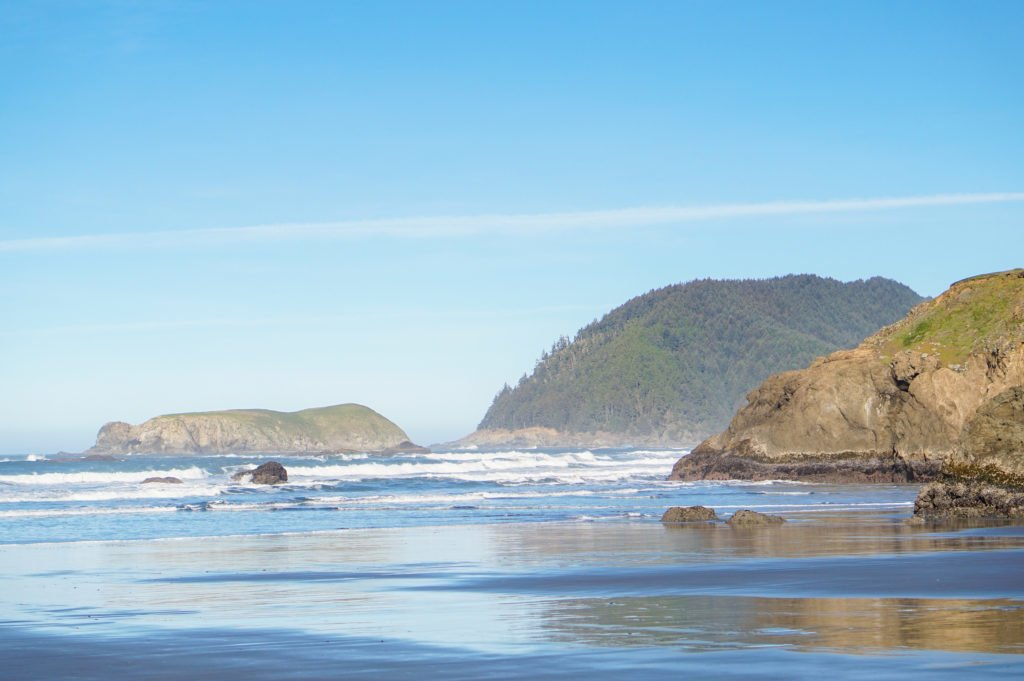 Reflecting Beach •25 Photos to Spark Your Visit to the Oregon Coast | The Wanderful Me