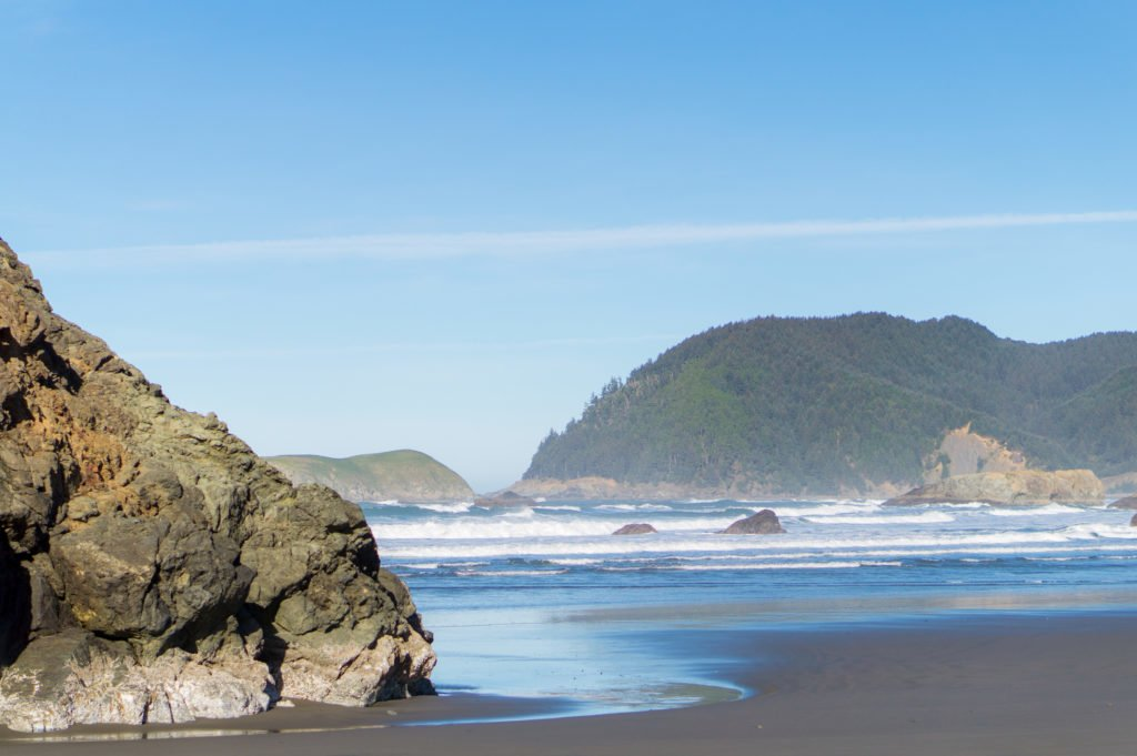 Large Beach Rocks •25 Photos to Spark Your Visit to the Oregon Coast | The Wanderful Me