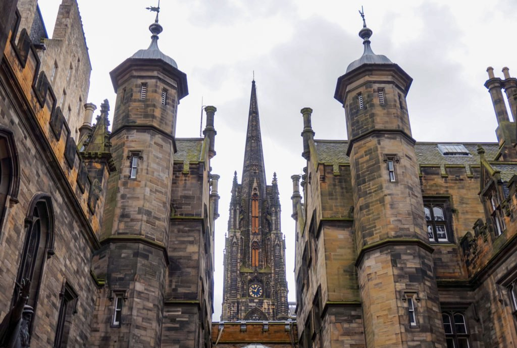 Edinburgh Building • The 3 Best Free Tours in Edinburgh, Scotland | The Wanderful Me