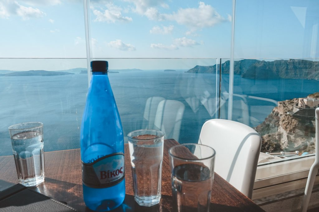 Lunch with a view on Santorini. • Day Trip to Santorini from Athens Guide.