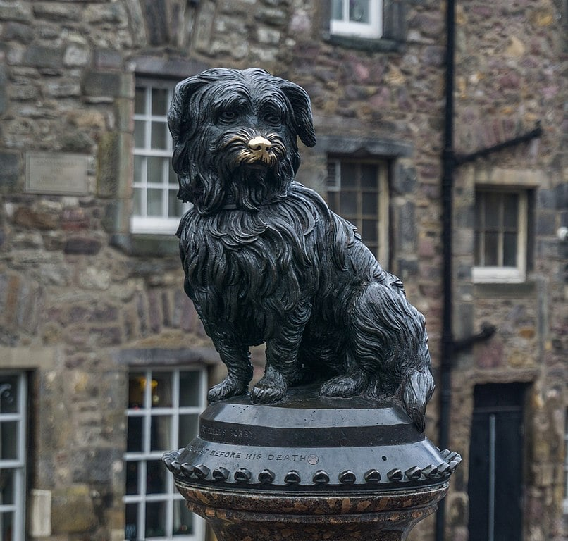 The Greyfriars Bobby statue.