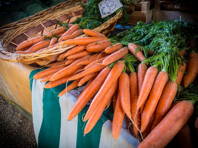 Package-free produce, like these carrots, at farmers' markets are great for reducing plastic usage!