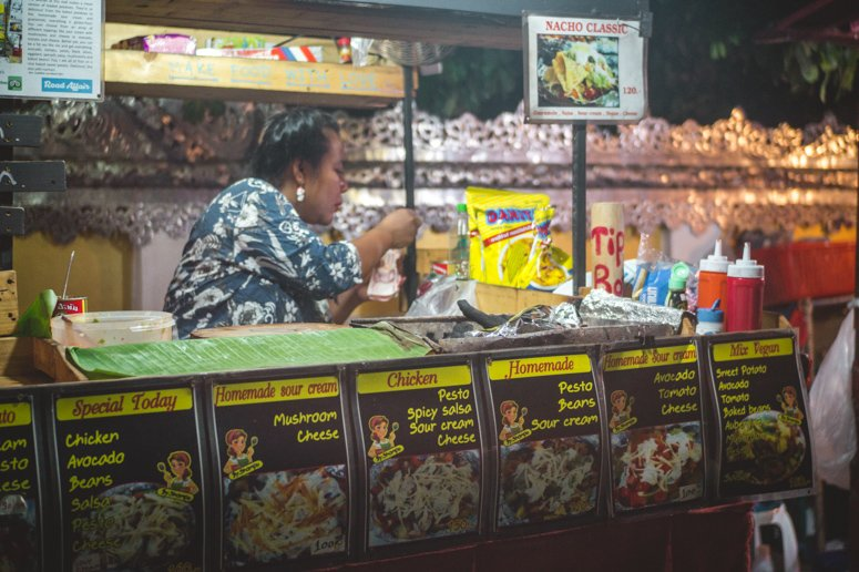At the Pai night market vegan travelers will find loads of food stalls and carts dishing out delicious vegan and plant-based meals.
