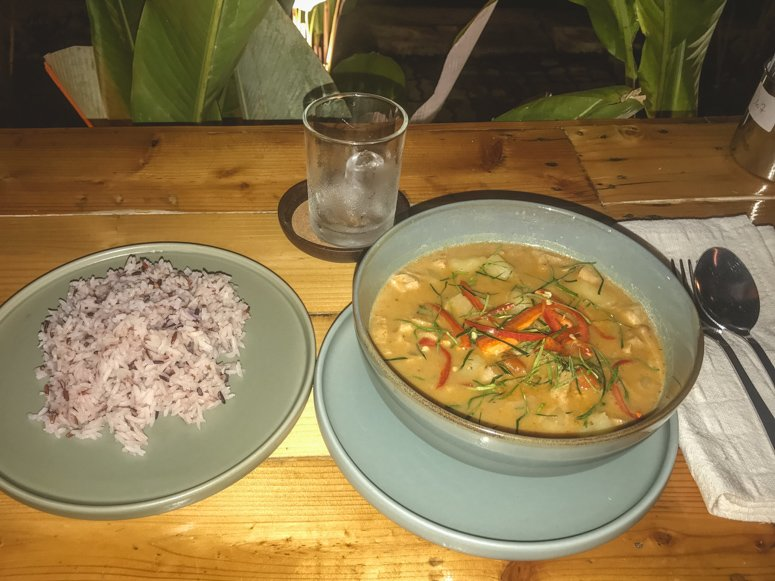 The vegan massaman curry at Friendship Concept is a winner with any vegan traveler in Pai!