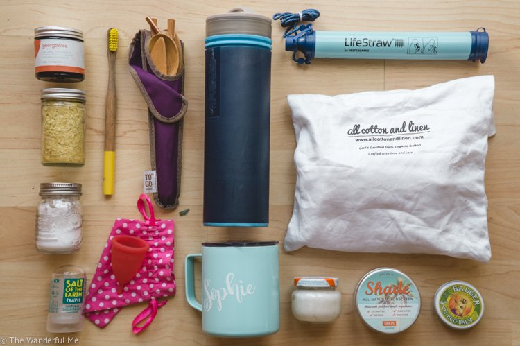 All my favorite zero waste essentials laid out on the floor to give you some eco-inspiration.