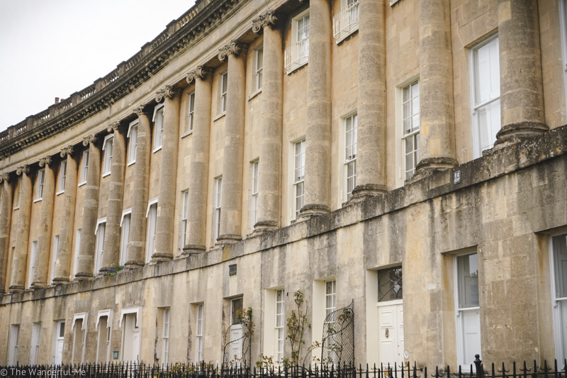 Looking at the incredible identical homes of the Royal Crescent, which is one of the top things to see in Bath, England when you have only 3 hours.